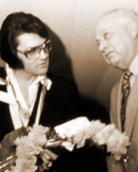 Elvis and Roanoke, Virginia, mayor Roy L. Webber (1972)