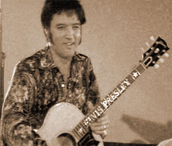 Elvis rehearsing in 1970