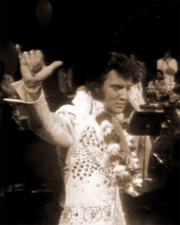 Elvis Aloha Finale