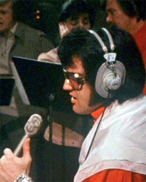 """Elvis records """"Always On My Mind"""" in March 1972"""
