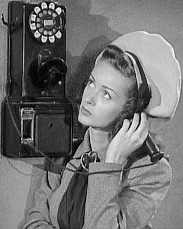 Noel Neill is Lois Lane in SUPERMAN (1948)
