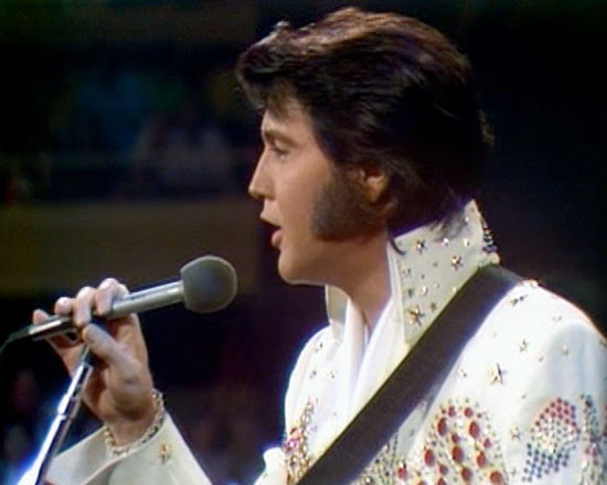 Elvis performs live in Honolulu, 1973
